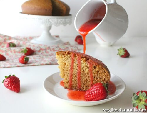 Torta allo yogurt con coulis alle fragole | Vegan
